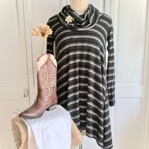 Altar'd State Striped Tunic Top  Sz S